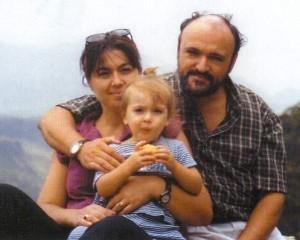 Dr. Carlo Urbani z ženo in najmlajšo hčerko.
